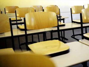 emptyschooldesk
